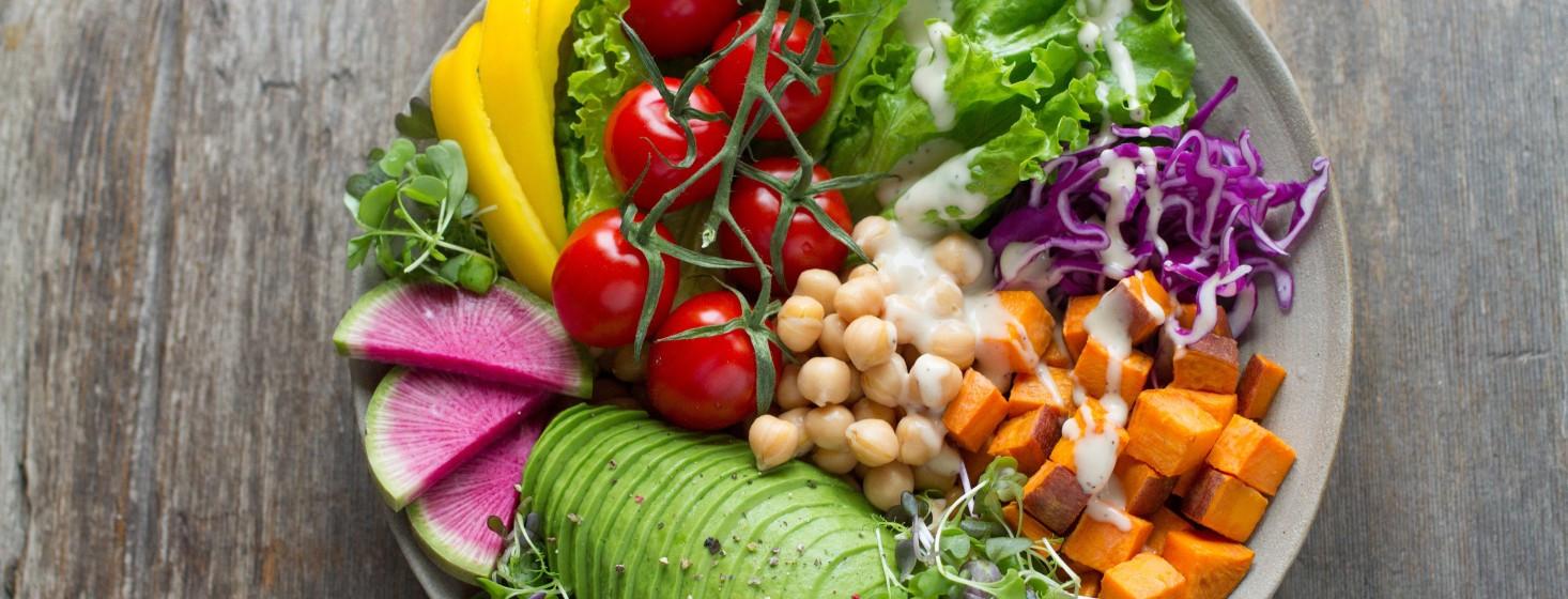 Recepty na letné jedlá, ktoré vás zaručene ochladia
