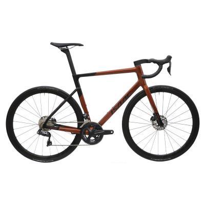 Cestný karbónový bicykel s kotúčovými brzdami Isaac Boson Disc Quartz Red červená/čierna
