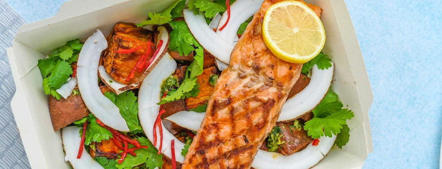 Recept na zdravý a chutný lososový šalát s avokádom