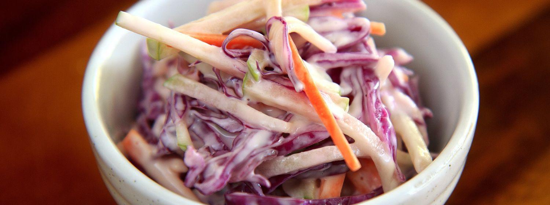 Zdravý coleslaw šalát bez majonézy