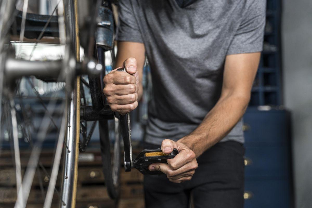 Montáž a demontáž komponentov bicykla v servise.