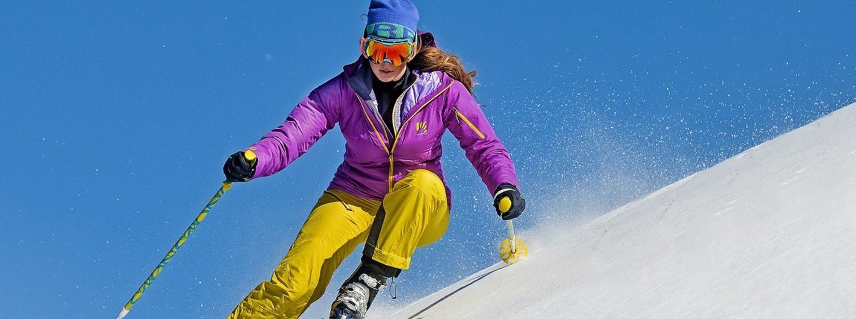 Vyberáme dámske outdoor bundy Karpos na zimu v rozpočte do 250 eur