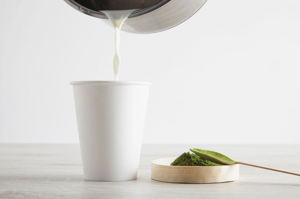 Pripravte si vegánske matcha latté