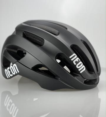 Silniční helma VENT Black-Black